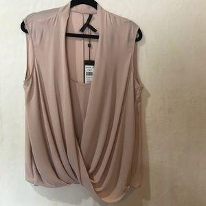 BCBG  SW WNTP SS Wrap Shirt Bare Pink Large